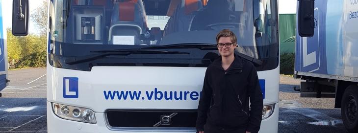 Primeur: Eerste 18-jarige bestuurder op onze Bus!